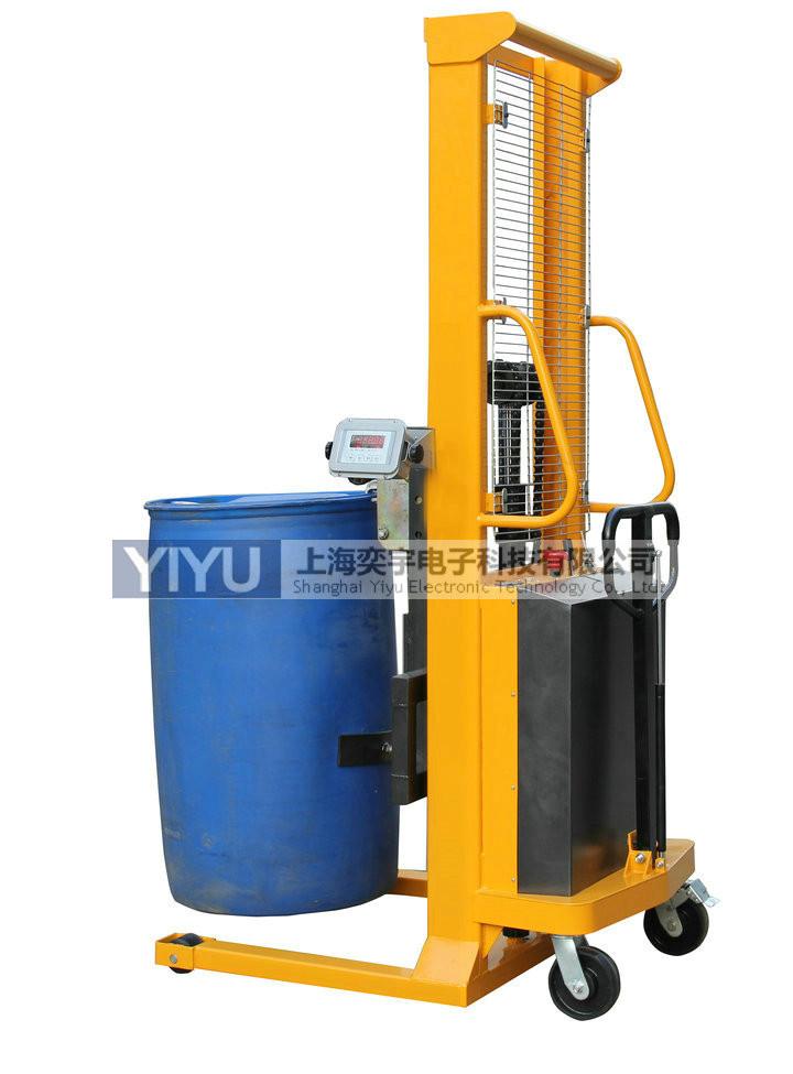 提升装卸油桶的堆高车