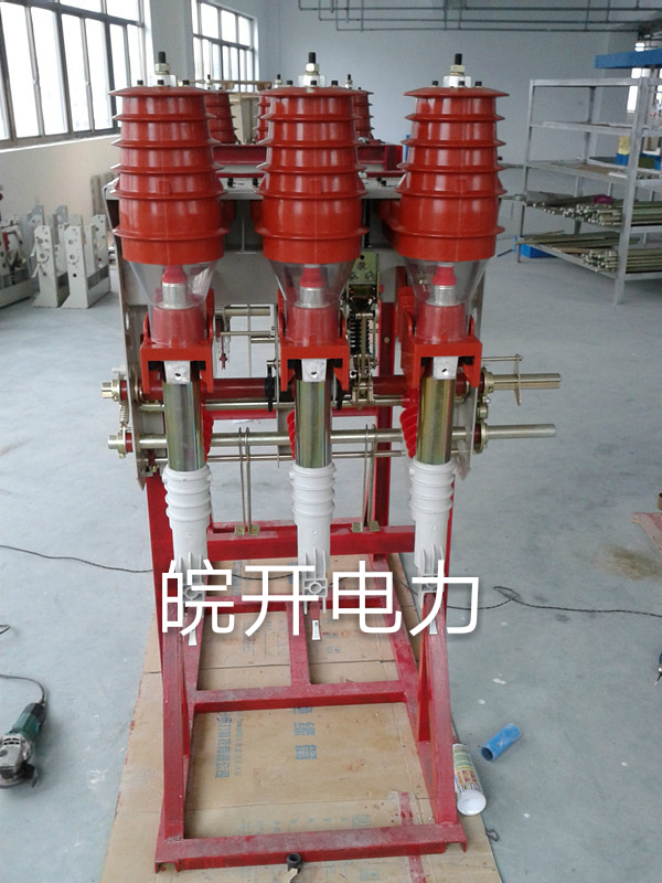 负荷开关和熔断器的组合电器能自动跳闸