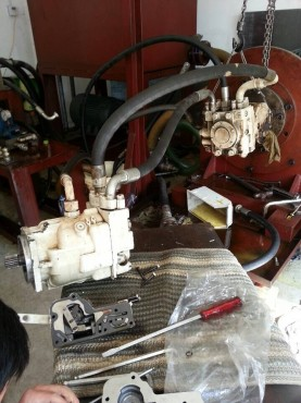 搅拌车液压泵维修的方式是怎么样的?图片